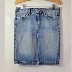7 For All Mankind A Pocket  Pencil  Skirt Size 27